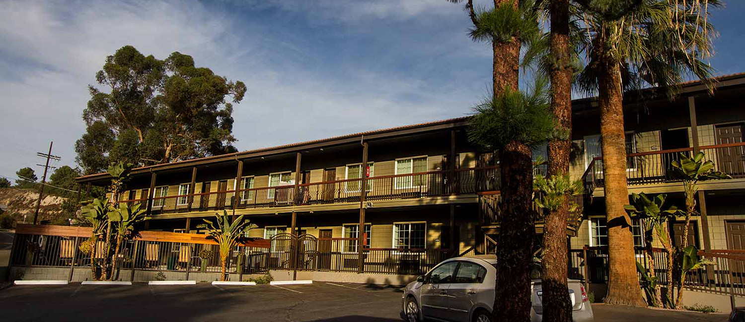 EXPLORE THE SAN FERNANDO VALLEY WHILE STAYING AT THE BOUTIQUE GRANADA INN
